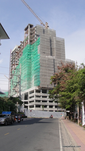 The Axis Condominium - 28 April 2012 - newpattaya.com