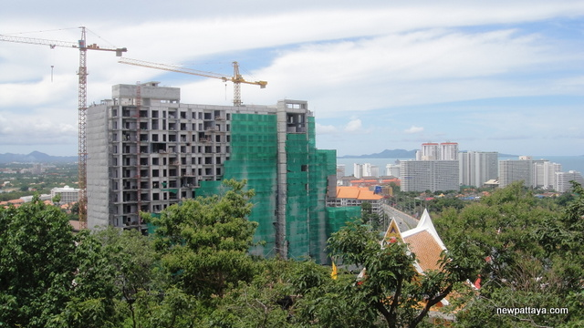 The Axis Condominium Pattaya - 10 July 2012 - newpattaya.com