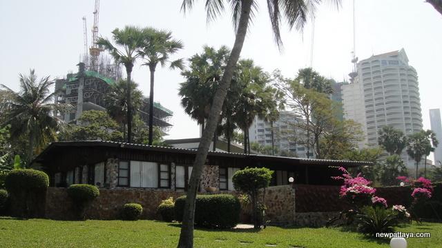 The Palm on Wong Amat Beach - 19 January 2013 - newpattaya.com