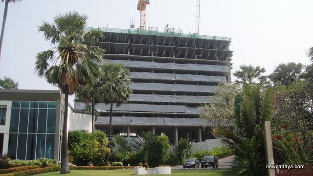 The Palm on Wong Amat Beach - 1 February 2013 - newpattaya.com
