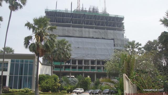 The Palm on Wong Amat Beach - 25 February 2013 - newpattaya.com