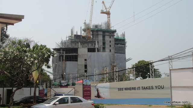 The Palm on Wong Amat Beach - 6 March 2013 - newpattaya.com