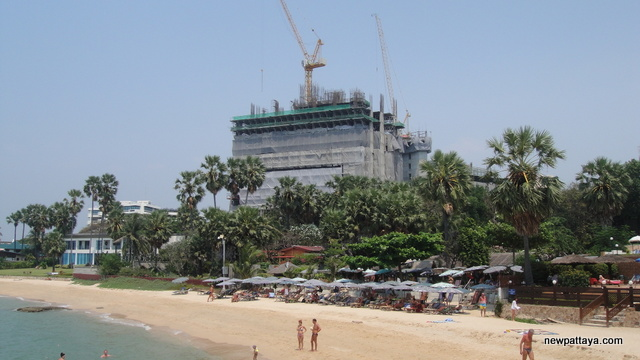 The Palm on Wong Amat Beach - 6 March 2013 - newpattaya.com