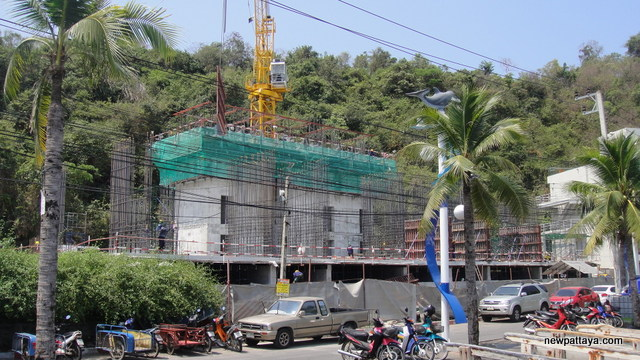 Waterfront Suites & Residences - 1 April 2013 - newpattaya.com