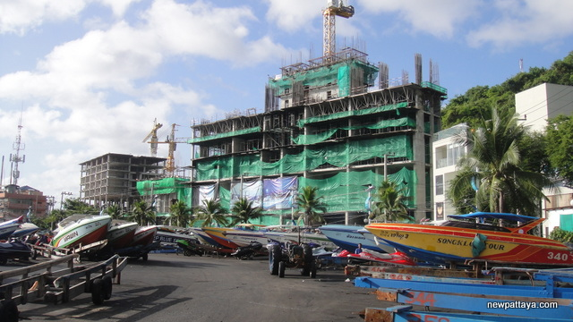 Waterfront Suites & Residences - 17 June 2013 - newpattaya.com