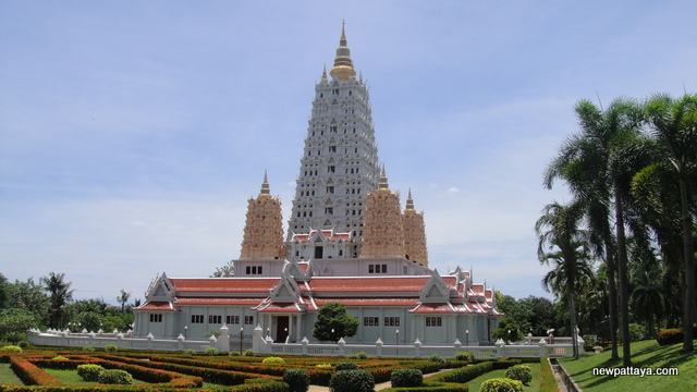Wat Yansangwararam  Development  Promoting the new Pattaya