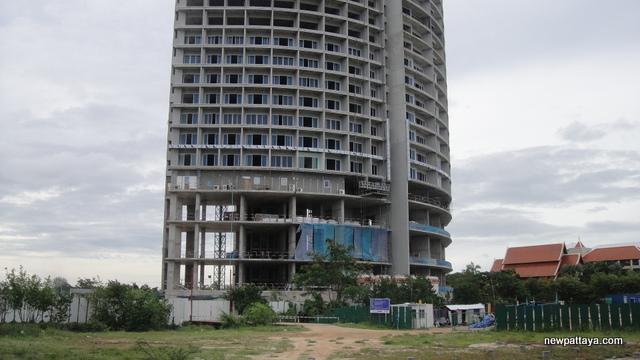 Mövenpick Spinnaker Residence - 15 July 2013 - newpattaya.com