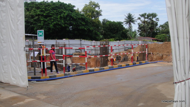 The Palm on Wong Amat Beach - 23 September 2012 - newpattaya.com
