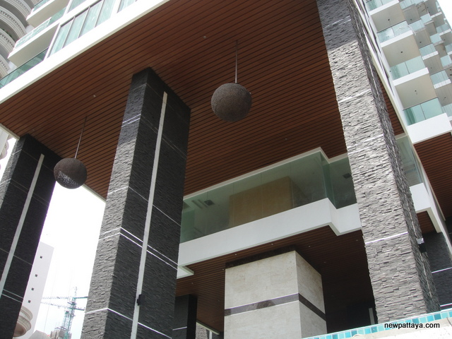 Wong Amat Tower - 25 April 2014 - newpattaya.com