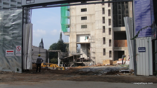 Wong Amat Tower - 6 November 2012 - newpattaya.com