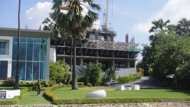 The Palm on Wong Amat Beach - 5 December 2012 - newpattaya.com