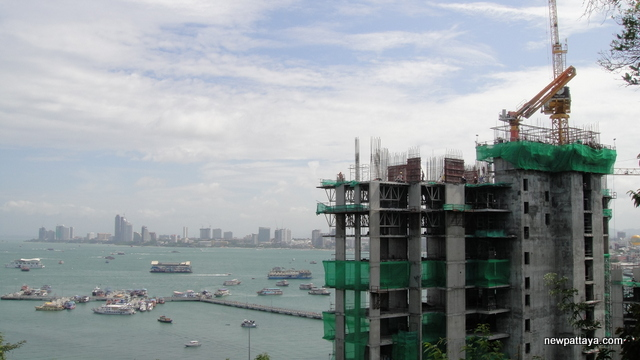 Waterfront Suites & Residences - 25 September 2013 - newpattaya.com