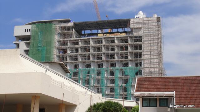 Discovery Beach Hotel Pattaya - 22 December 2012 - newpattaya.com