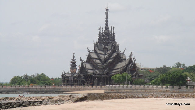 The Sanctuary of Truth - newpattaya.com
