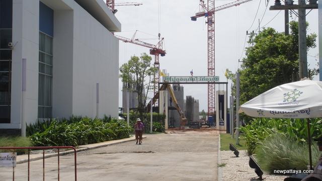 Lumpini Park Beach - 5 June 2012 - newpattaya.com