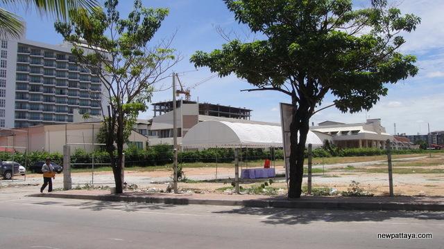Discovery Beach Hotel Pattaya - 26 June 2012 - newpattaya.com