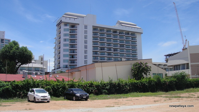 The Discovery Beach Hotel Pattaya - 26 June 2012 - newpattaya.com
