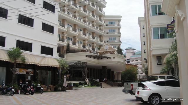 Miracle Suite Pattaya - 30 June 2012 - newpattaya.com