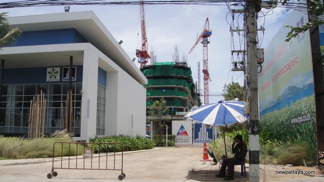 Lumpini Park Beach - 9 August 2012 - newpattaya.com