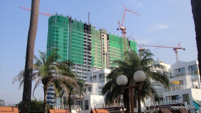 Lumpini Park Beach - 12 December 2012 - newpattaya.com