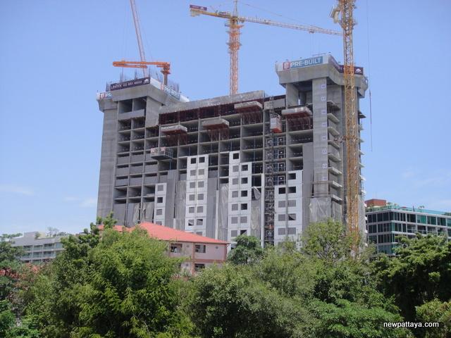 Unixx Condominium Pratumnak - 30 July 2014 - newpattaya.com