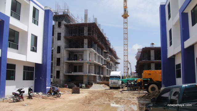 The Blue Residence Porchland 3 - 4 August 2012 - newpattaya.com