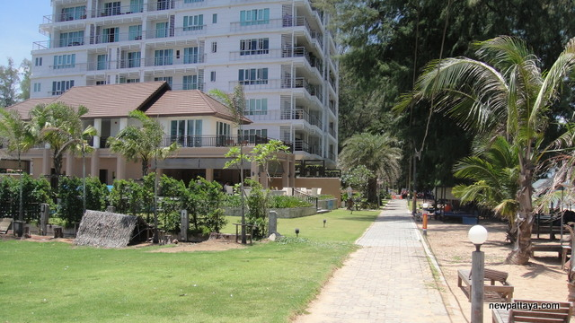 Pine Shores Condominium Jomtien Beach - 13 August 2012 - newpattaya.com