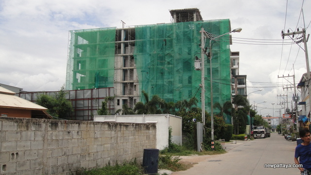 De Blue Sky Resort Condominium - 4 September 2012 - newpattaya.com