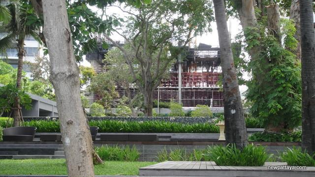 Zire Wong Amat - 23 September 2012 - newpattaya.com