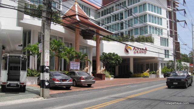 Aiyara Grand Hotel - 12 June 2012 - newpattaya.com