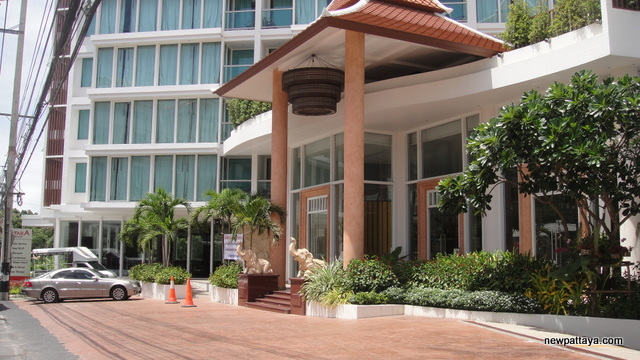Aiyara Grand Hotel - 12 June 2012 - newpattaya.com