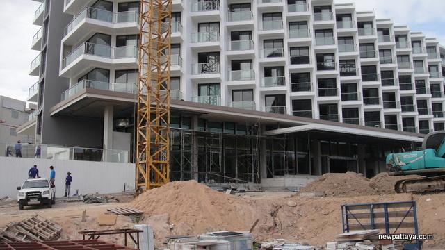 Tsix5 Hotel Phase 2 - 28 June 2012 - newpattaya.com