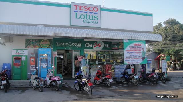 Tesco Lotus Express Soi Siam - 9 November 2012 - newpattaya.com