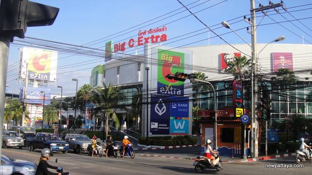 Big C Extra Central Pattaya - 9 November 2012 - newpattaya.com