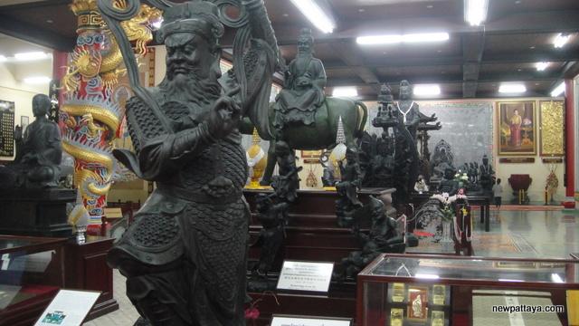 Viharn Sien Chinese Temple - Anek Kusala Sala - 25 December 2012 - newpattaya.com