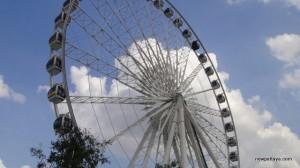 Ferris Wheel at Asiatique The Riverfront - 28 December 2012 - newpattaya.com