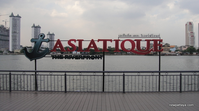 Asiatique The Riverfront - 28 December 2012 - newpattaya.com