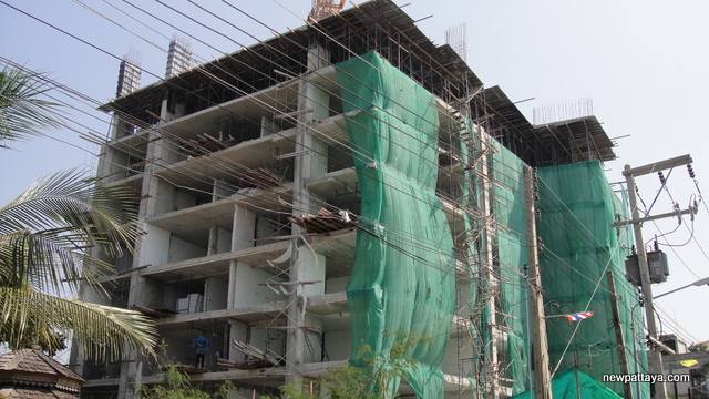 Water's Edge condominium - 26 December 2013 - newpattaya.com