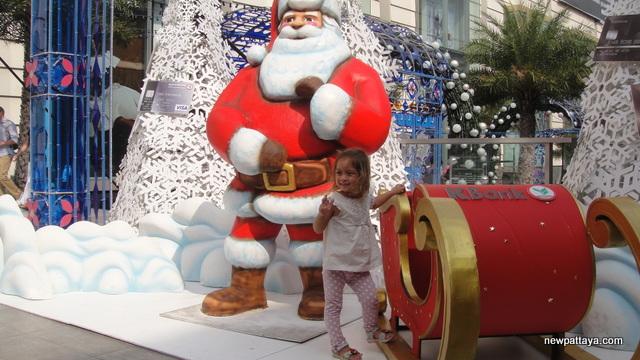 Christmas in Bangkok 2012 - 2 December 2012 - newpattaya.com