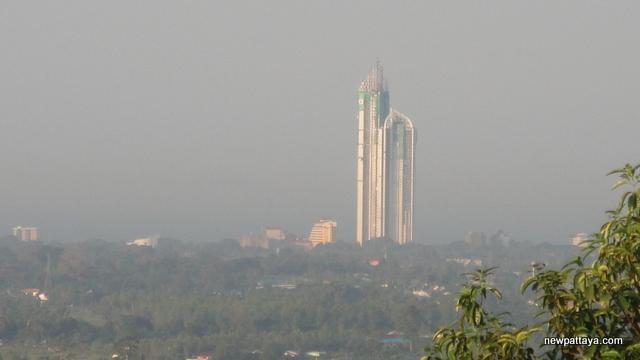 Wat Khao Din Tewaanimit - 13 December 2012 - newpattaya.com