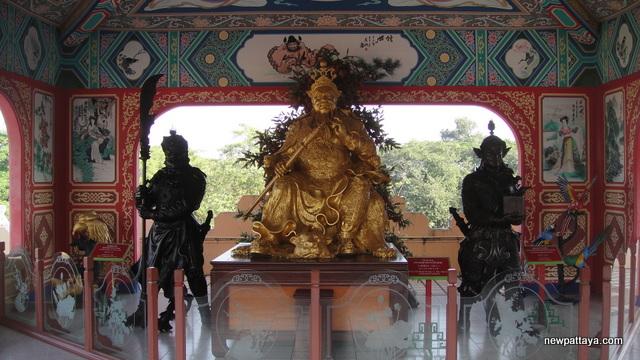 Viharn Sien Chinese Temple - Anek Kusala Sala - 19 December 2012 - newpattaya.com
