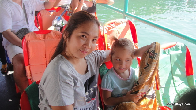 On board the boat to Koh Sichang - 3 January 2013 - newpattaya.com