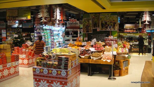 Tops Supermarket at Watergate Pavillion