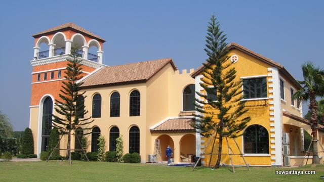 Venetian Signature Condo Resort Pattaya - 11 December 2013 - newpattaya.com