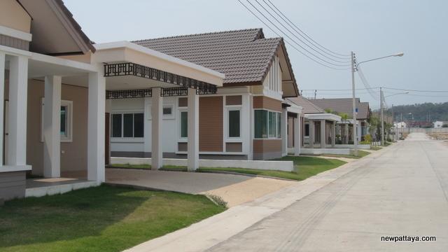 Censiri Home Laem Chabang - 26 February 2013 - newpattaya.com