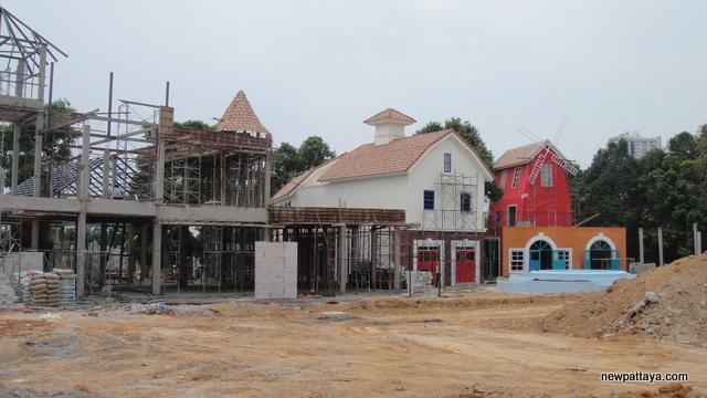 The Country Place Food Village Pattaya - 5 March 2013 - newpattaya.com