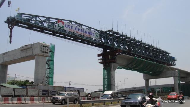 Extension of BTS Silom Line - 25 March 2013 - newpattaya.com