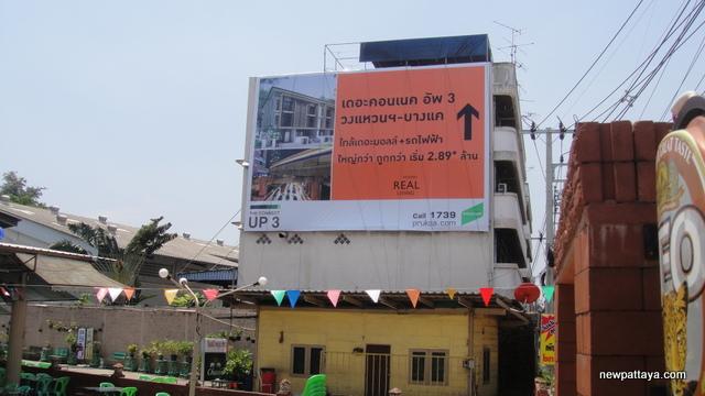 Pruksa on Phet Kasem Road - 25 March 2013 - newpattaya.com