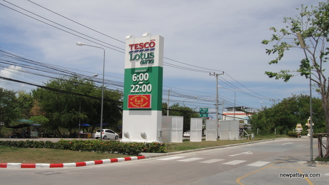 Tesco Lotus Market - 26 April 2013 - newpattaya.com