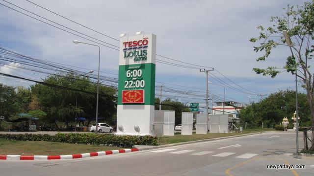 Tesco Lotus Market - 26 April 2013 - newpattaya.com